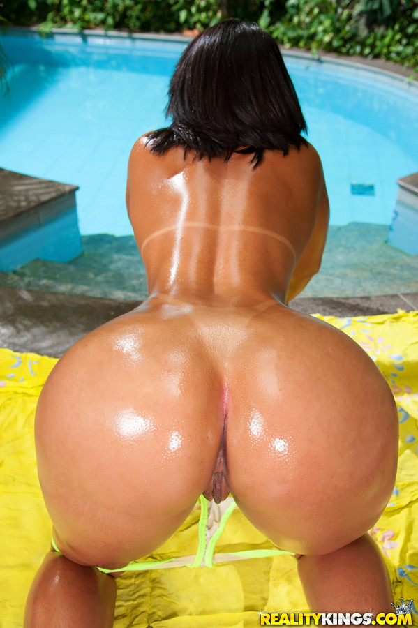 brazilian-girls-pussy-and-booty-videos